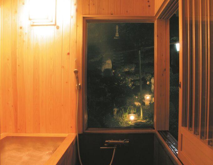 大月ロハス村雲水舎の浴室