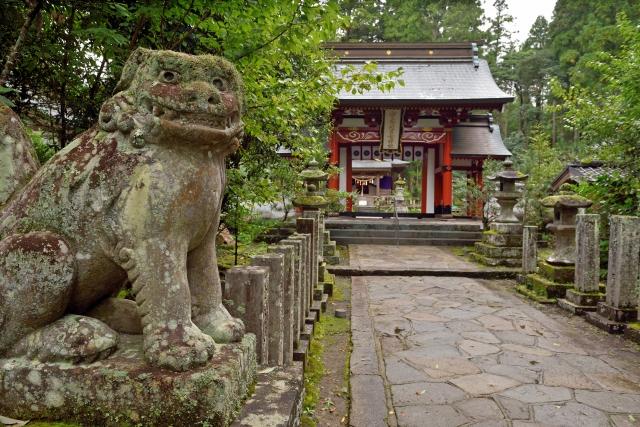 湯布院の宇奈岐日女神社