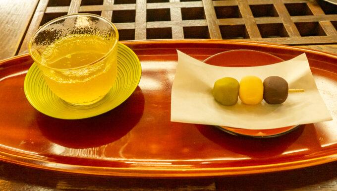 坊ちゃん団子とお茶