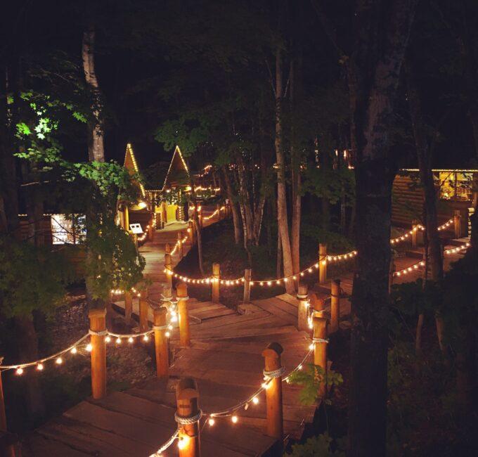 夜のニングルテラス(北海道富良野)