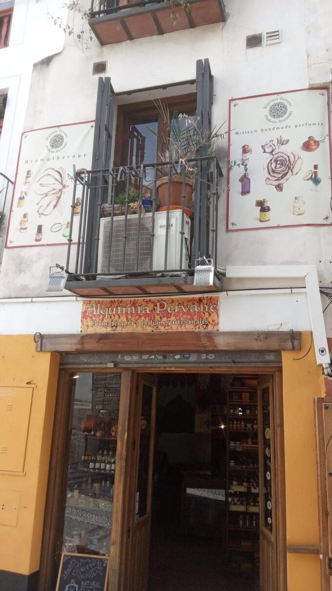 グラナダのコスメ店Alquimia Pervane